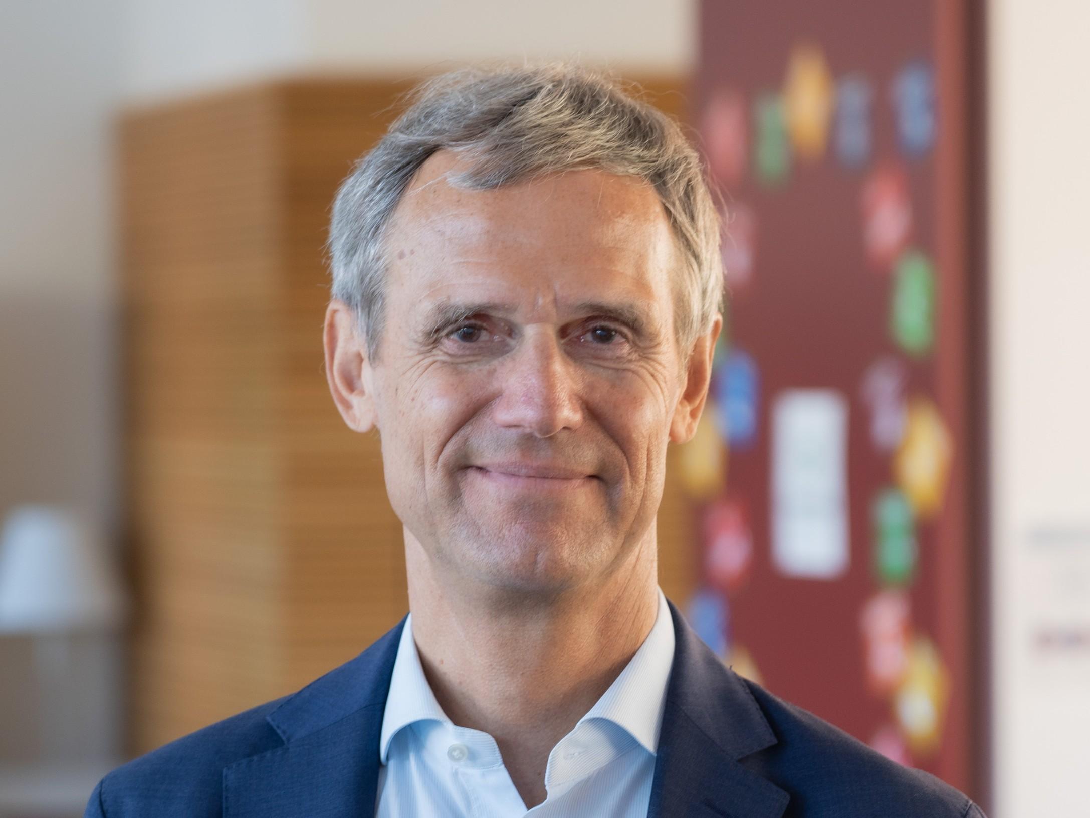 Dr. Michael Kemmer